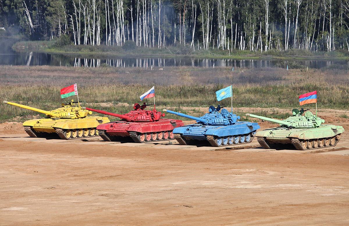 Почему американцы наотрез отказываются участвовать в российском танковом биатлоне?