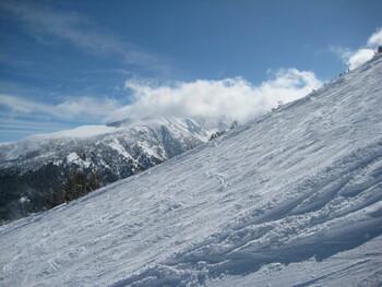 В Болгарии российский турист выжил под накрывшей его снежной лавиной