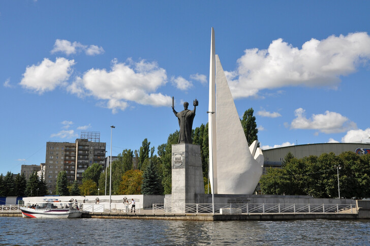 Памятник Николаю Чудотворцу, июль