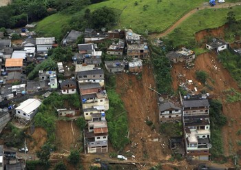 Из-за оползней в Бразилии погибли 16 человек, десятки пропали без вести