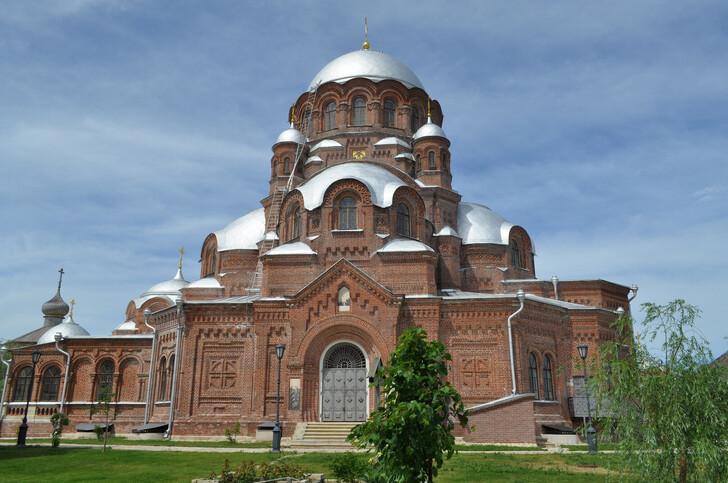 Собор Богоматери в Иоанно-Предтеченском монастыре Свияжска