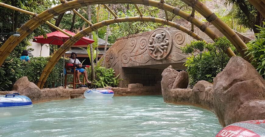 Аквапарк «Adventure Cove Waterpark»