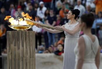 В Греции зажгли огонь летней Олимпиады