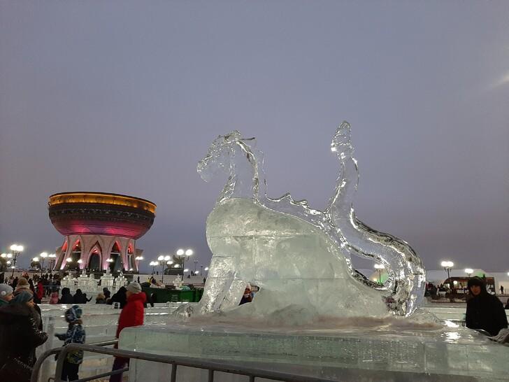 Ледовый городок на площади у «Казана»