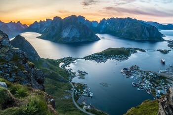 Норвегия ввела карантин для прибывающих в страну