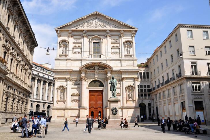 церковь Сан-Феделе