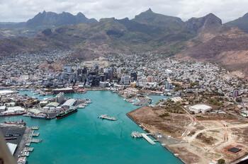 Мадагаскар и Маврикий приостанавливают международное авиасообщение