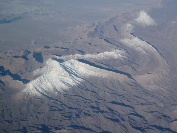Пейзажи по маршруту полета самолета в ОАЭ