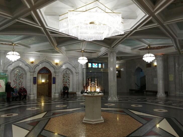 Внутри мечети Кул Шариф