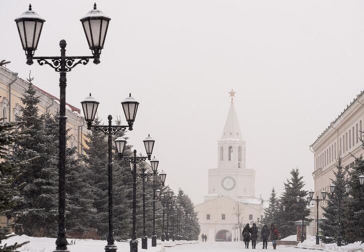 Спасская башня Казанского кремля зимой