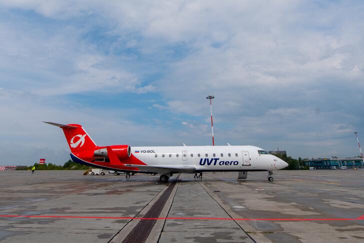 Самолет авиакомпании ЮВТ Аэро