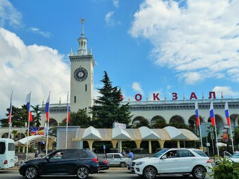 Туристов, прибывающих в Сочи, изолируют в гостиничных номерах