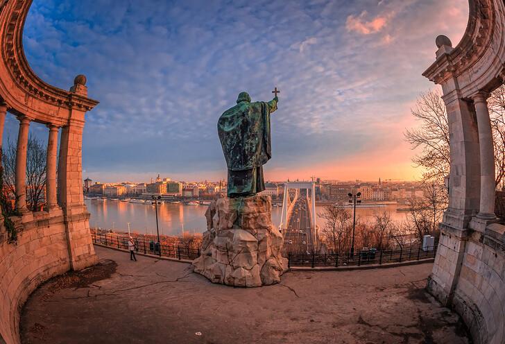 Памятник святому Геллерту и мост Эржбет