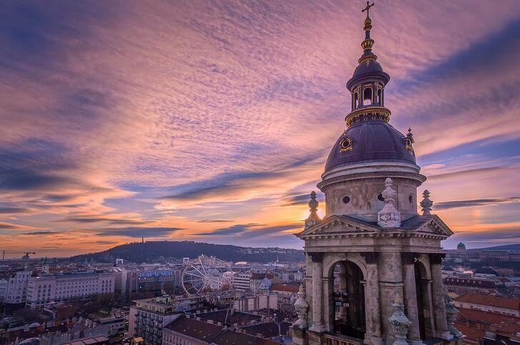 Вид на город со смотровой площадки базилики святого Иштвана