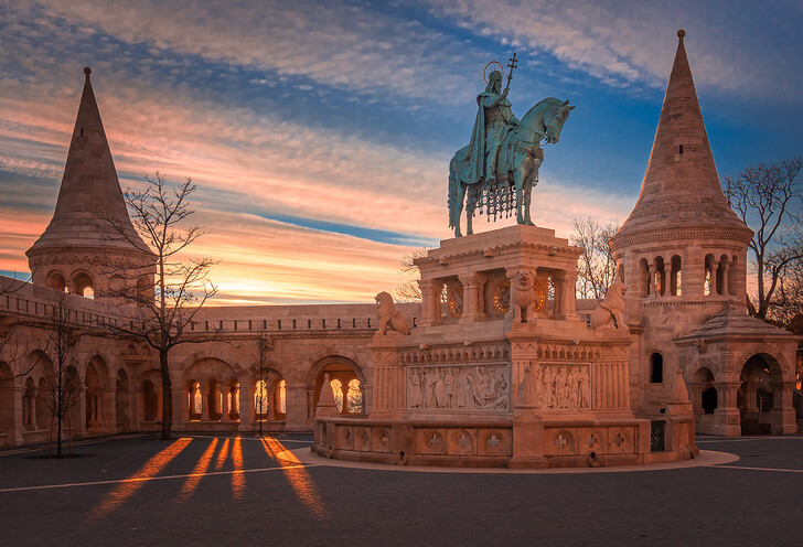 Рыбацкий бастион и памятник королю Иштвану I Святому