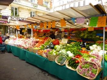 Во Франции вновь откроют часть рынков