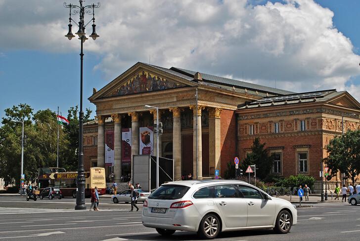 Выставочный зал Мючарнок