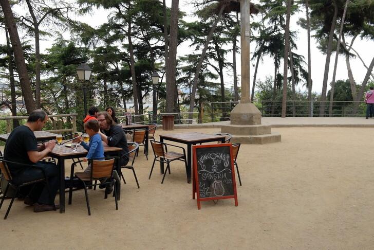 Кафе в Испанской деревне