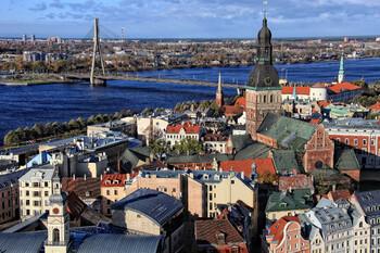 Латвия продлила режим ЧП на месяц