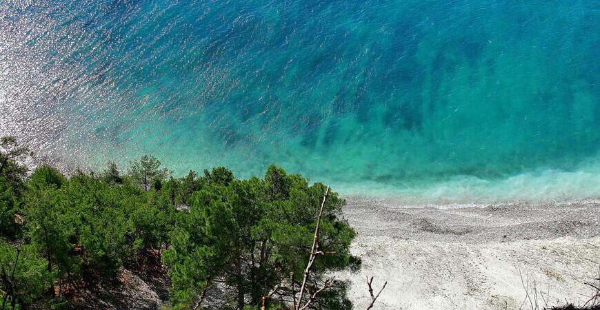 Пляж Голубая бездна