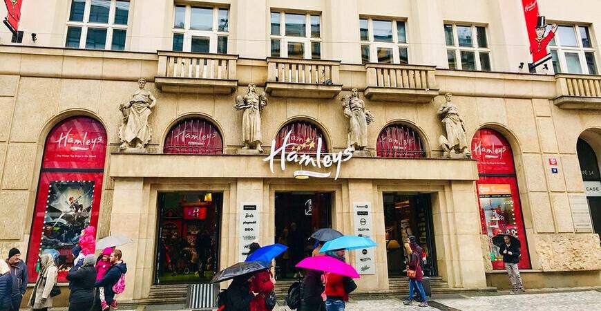Магазин игрушек «Hamleys» в Праге