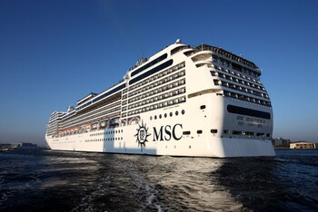 Пассажиров лайнера MSC Magnifica высадят в Марселе