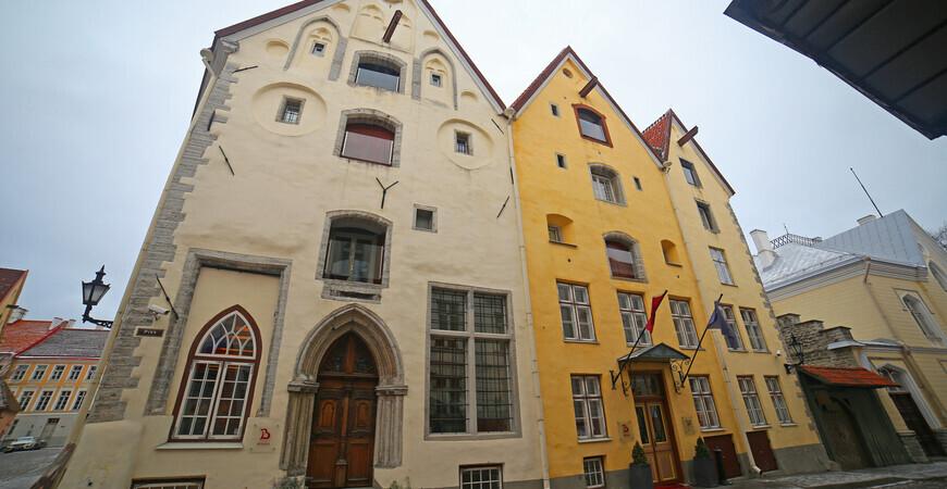 «Три сестры» в Таллине <br/> (Kolm õde)