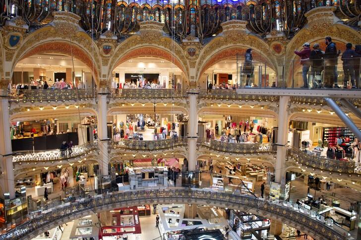 Галери Лафайет - главный торговый центр Парижа