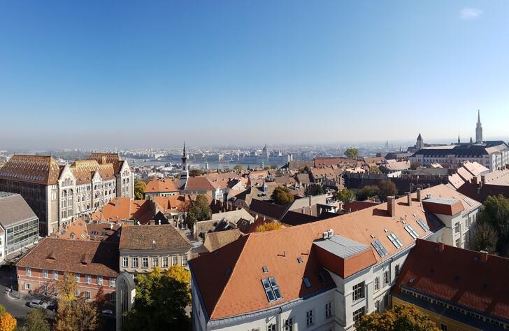 Вид на Будапешт со смотровой площадки Марии Магдалины