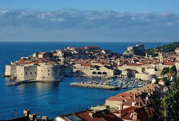 Хорватия намерена открыть границы для иностранных туристов в конце мая