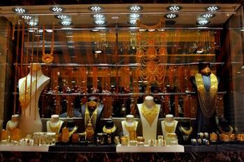 В Дубае возобновил работу популярный у туристов Золотой рынок