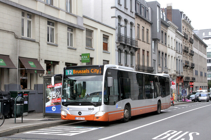 Автобус № 12