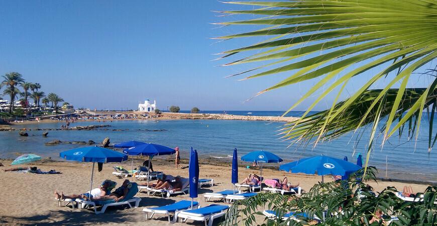Пляж Лума (Каламис, Голден Кост)
