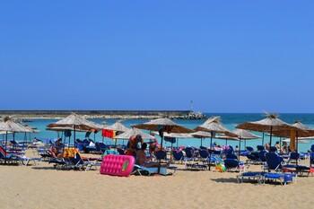 Курорты Болгарии будут принимать туристов по новым правилам