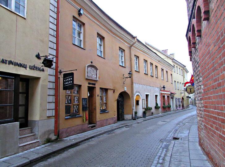 Старинная улочка в Вильнюсе