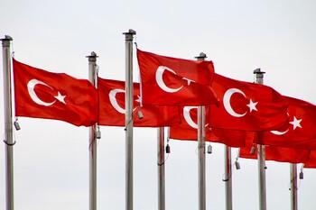Турция может возобновить международное авиасообщение с 12 июня
