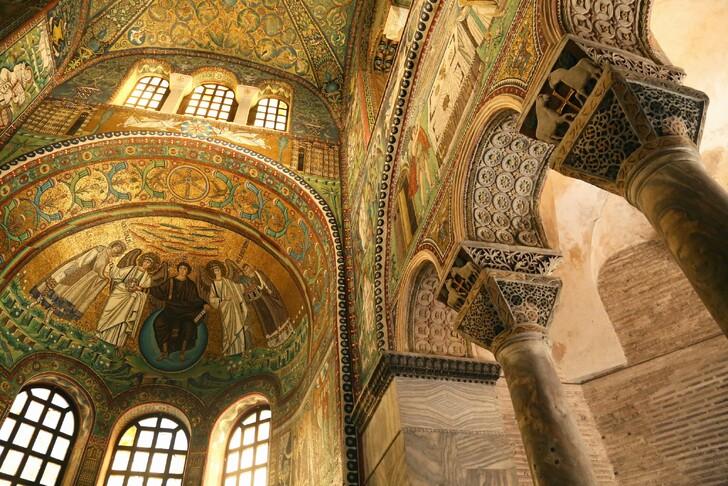 Знаменитые мозаики Равенны
