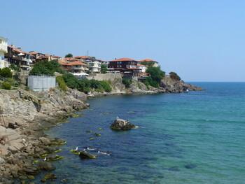 Болгария снимет запрет на турпоездки по стране 13 мая