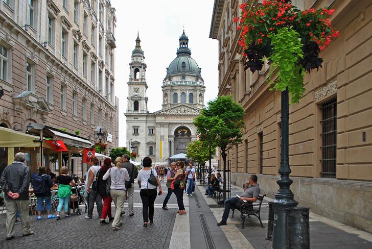 Центр Будапешта летом