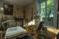 Семья купила дом и нашла там потайную комнату, куда не заходили 100 лет (то, что они увидели, повергло их в шок)