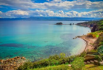 На Кипре продлена приостановка пассажирского авиасообщения
