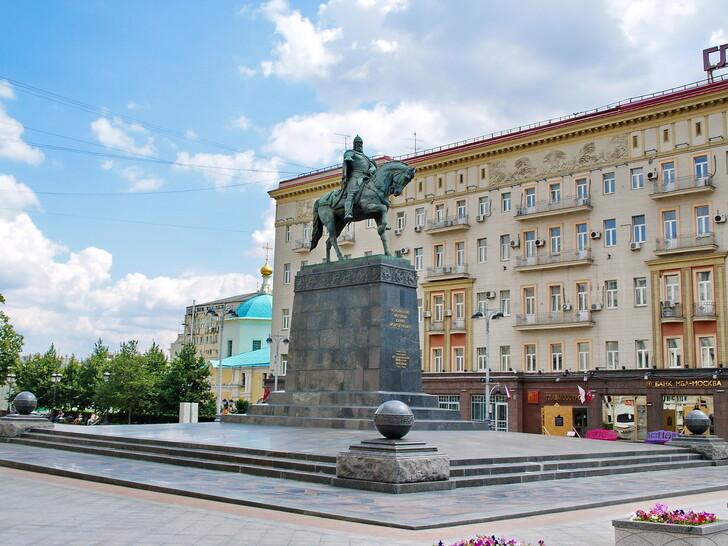 Памятник Юрию Долгорукому на Тверской улице