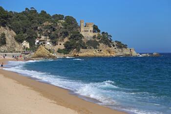 На испанском курорте разделят пляжи на сектора для безопасности отдыхающих