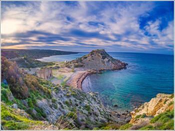 Министр транспорта Кипра предостерег туристов от поспешной покупки билетов на остров