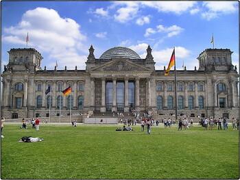 Германия продлила ограничения на выдачу виз россиянам