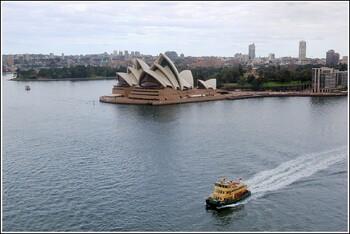 В Сиднее начали открываться кафе и рестораны