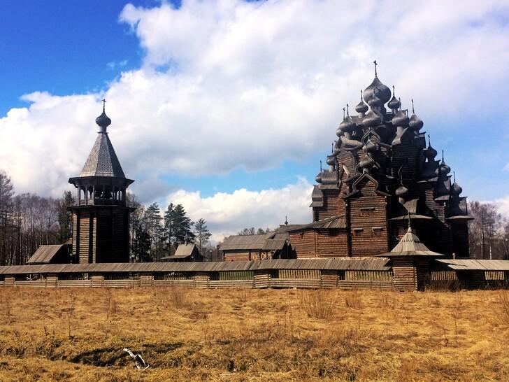 Покровский храм в этнопарке «Усадьба Богословка»