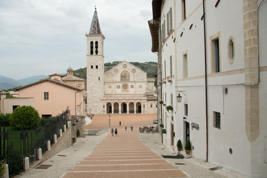 что фото города ардеа в италии бабы