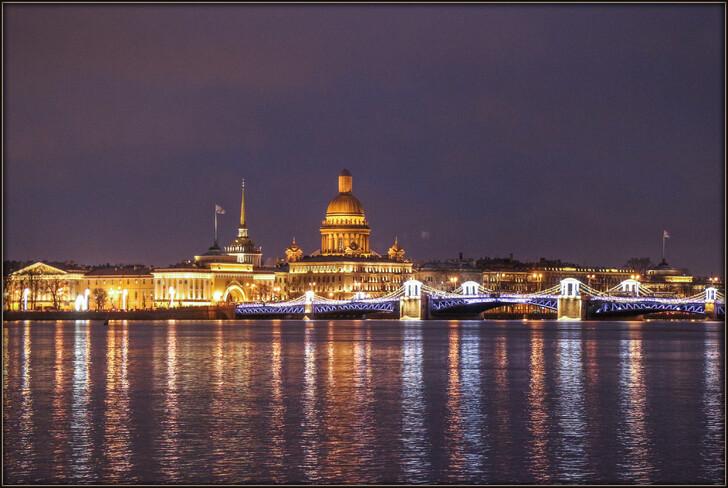 Куда сходить в Санкт-Петербурге вечером