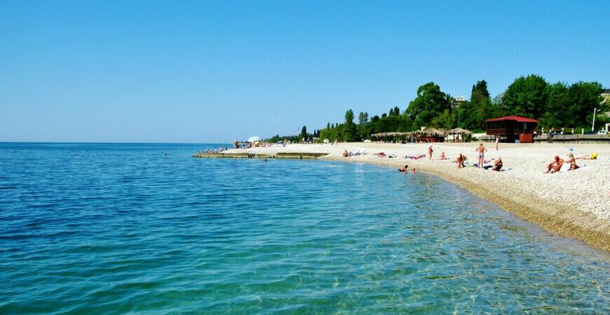 Центральный пляж Гудауты
